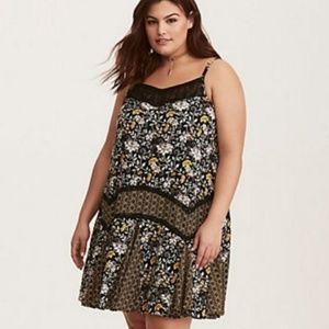 Torrid floral sleeveless dress